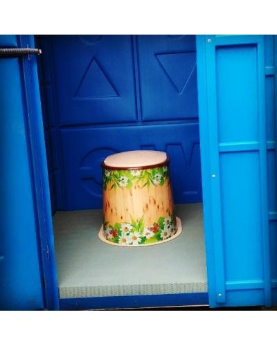 Пластикова туалетная кабина для дачи